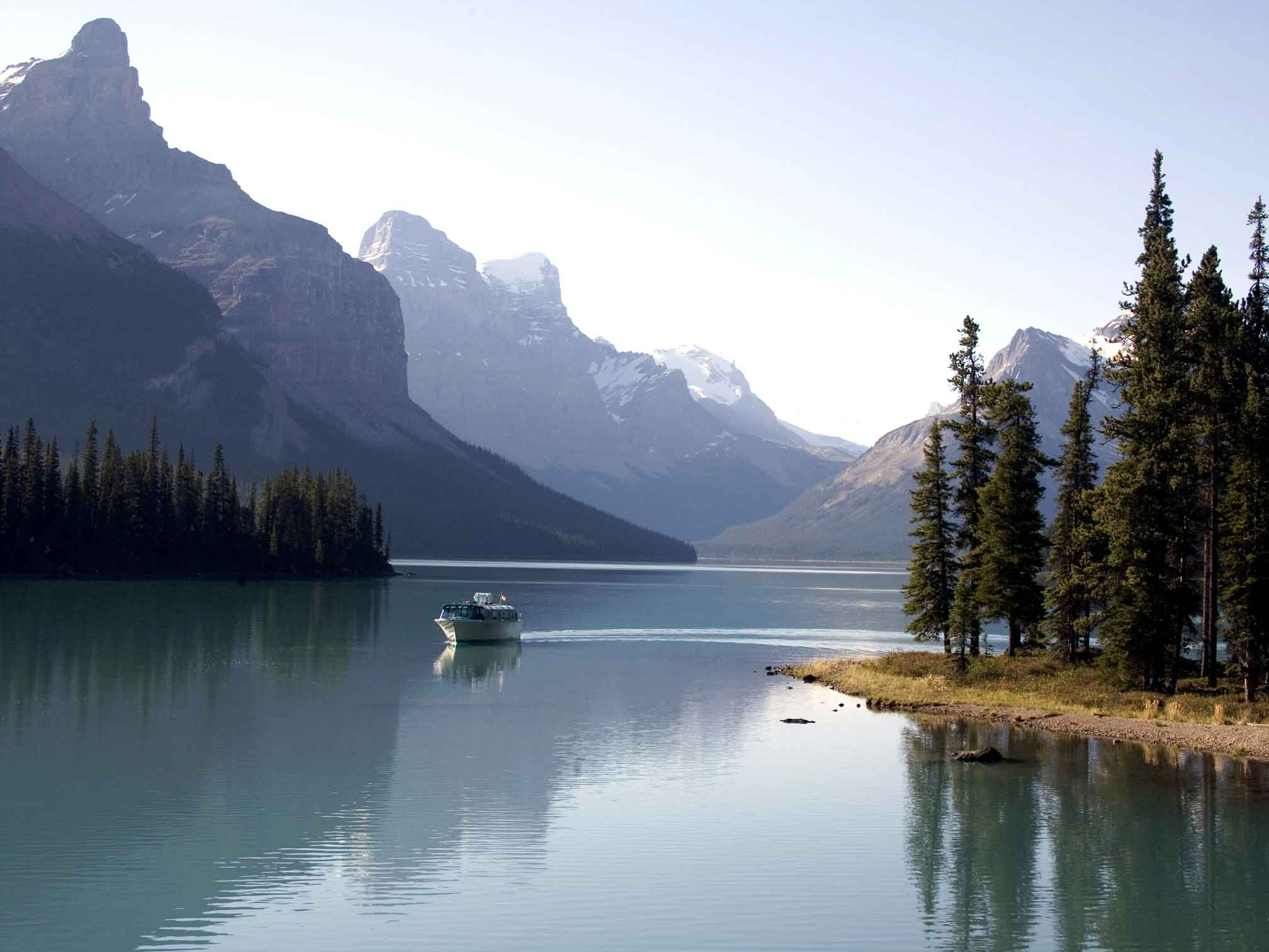 Jasper Summer Adventures: Maligne Lake Boat Cruise by Pursuit
