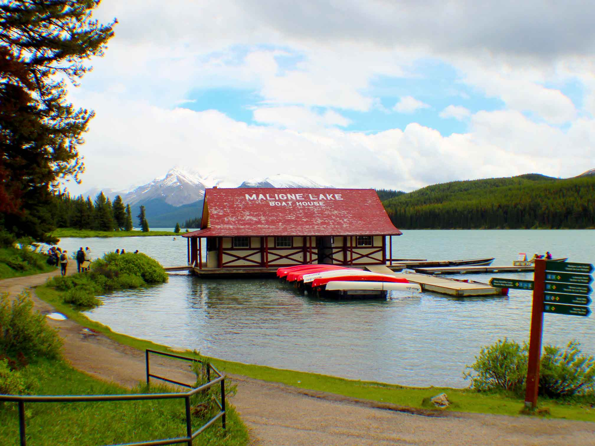 Maligne Lake Boat House